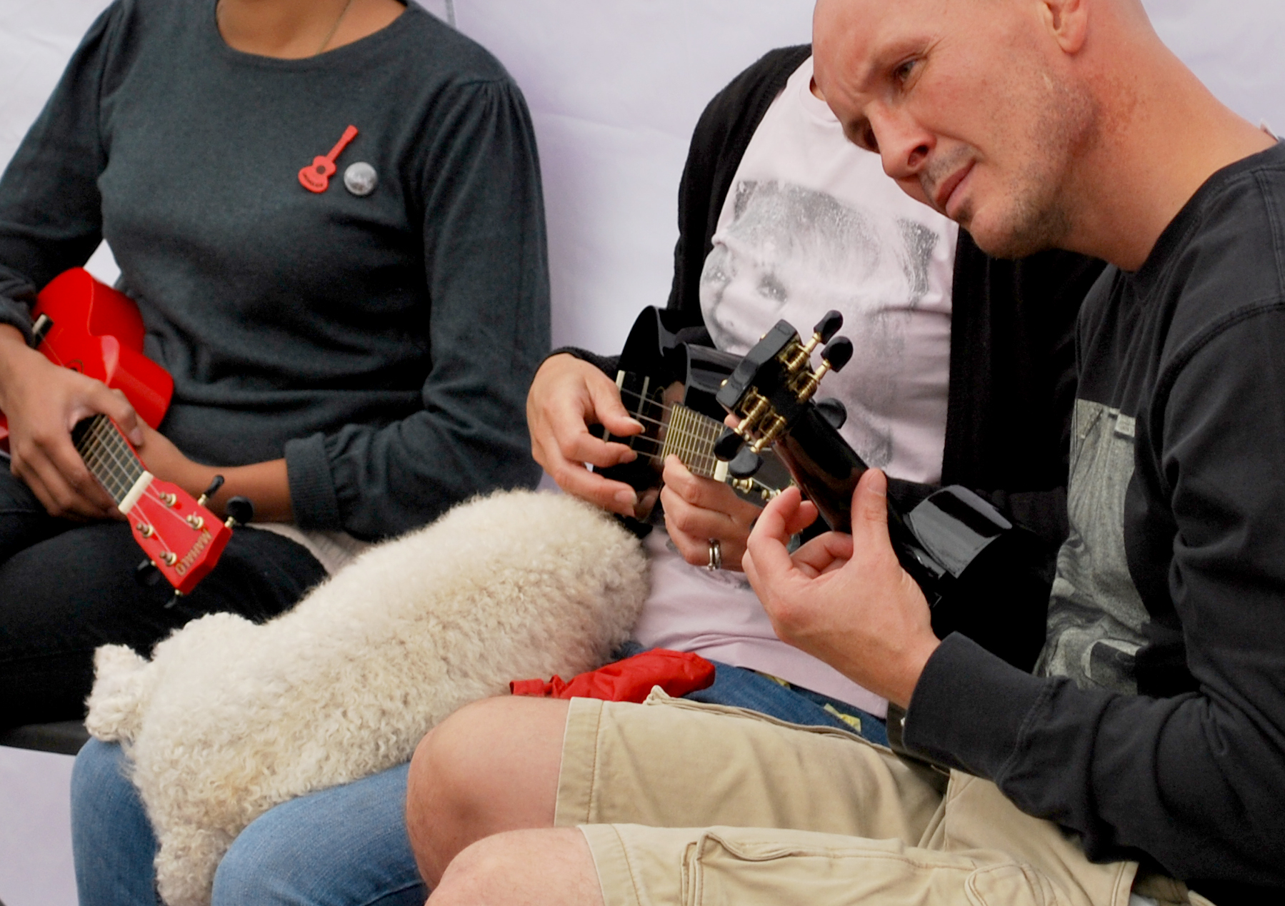 Locals learn how to play the Ukelele...even the dog was lulled to sleep by the sweet tones of Twinkle Twinkle Little Star